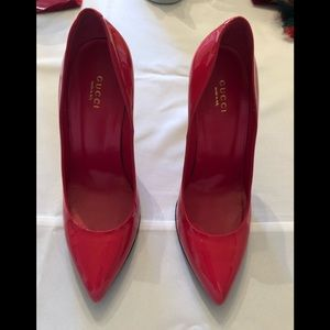 Authentic Gucci patent leather pumps.Worn 10 times